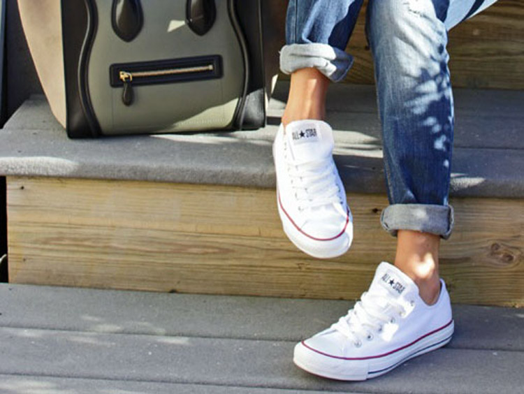 How to Clean Cloth Shoes: Keep your Shoes Squeaky Clean with these 5 Steps