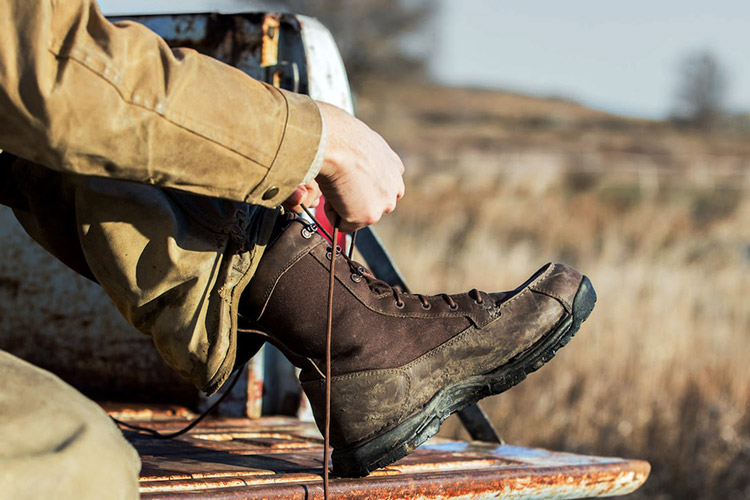 Alloy Toe vs. Steel Toe Boots danner