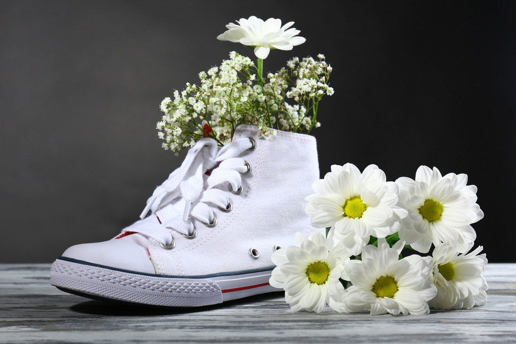 how to deodorize shoes with a flowers inside