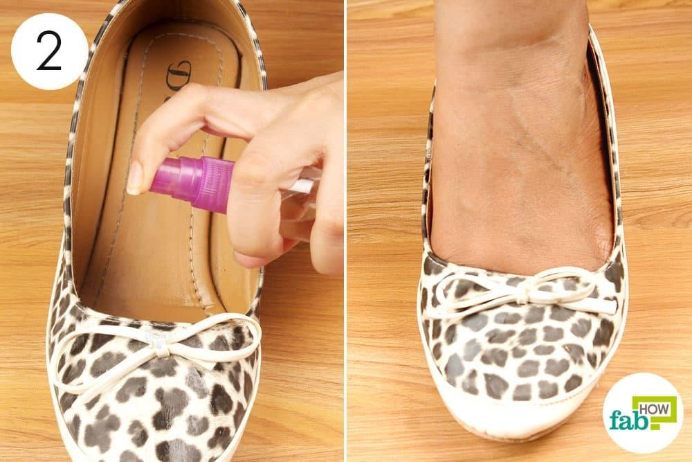 spraying leopard printed canvas shoes